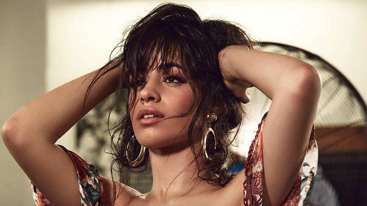 Camila Cabello lança clipe para versão orquestrada de Consequences